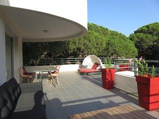 Appartement villa neuf a 150 m de la mer 100m2 de terasse