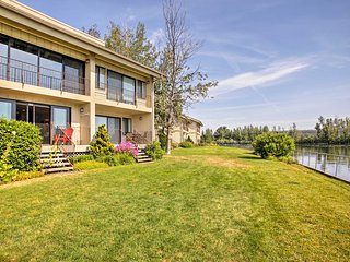 NEW! Waterfront Condo w/ Pool on Lake Pend Oreille
