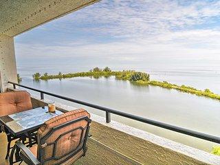 Hudson Condo w/ Balcony & Splendid Gulf Views!