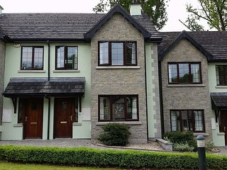Stylish Self-Catering Townhouse in the Grounds of Lough Rynn Castle