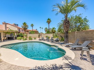 Scottsdale Stays ❤️ Greenway Estate-Sleeps 22,Heated Pool,Spa,Volleyball,Boccie