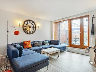 2bed, 2bath apt in quirky Chalk Farm, 4min to tube