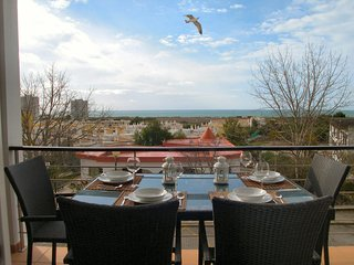 Lovely Apartment Alvor With Sea Views And Roof Top Communal Pool
