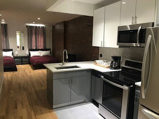 Modern Industrial 2BD/2BA in the <3 of Brooklyn