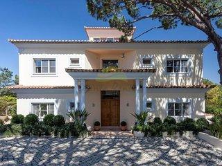 5 Bed Villa Pinheiro with Pool in Quinta do Lago