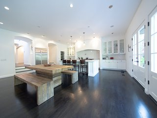 Veeve - Californian Style in Sherman Oaks