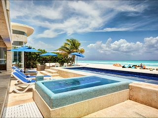Beach House - 4 Bedroom Villa at Playa Del Carmen - Book Now
