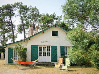 2 bedroom Villa in Montalivet-les-Bains, Nouvelle-Aquitaine, France : ref 565779
