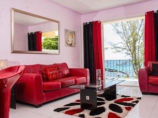 One Bedroom Retro Chic Beach Front Apartment