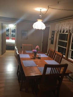 Dining area with room for 6.
