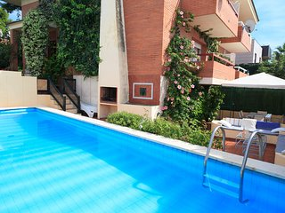 VILLA COVAMAR 008: Splendid villa In Salou with private swimming pool !