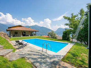 San Siro Villa Sleeps 9 with Pool and WiFi - 5841233