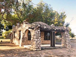 Washington Ranch Rustler Cabin