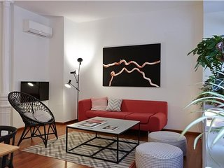 Central Madrid Duplex Apartment! 65 m2 of Space + FREE Wi-Fi