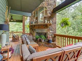 NEW LISTING! Dog-friendly getaway w/hot tub, outdoor fireplace- golf course view
