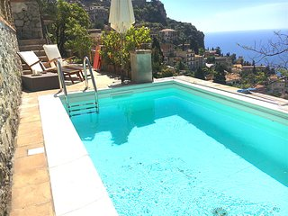 VILLINO DEGLI SVEVI with pool & Etna and Sea View