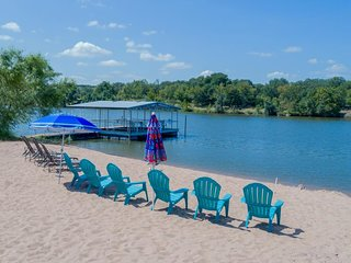 NEW LISTING! Spacious lakefront house w/ views, beach & large yard - dogs OK!