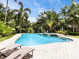 Spanish colonial 3/2 pool home on the intercostal