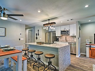 NEW! Renovated Bradenton Condo 15 Min. to Beach!