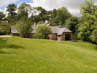 May Cottage - Delightful 2 bedroom cottage in beautiful Devon countryside, indoo