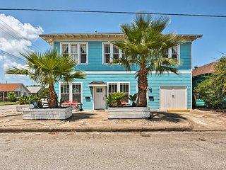 Updated Galveston Home - Walk to the Beach & Pier!