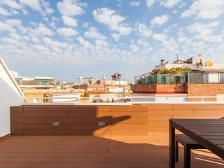 Penthouse with terrace in Guindalera