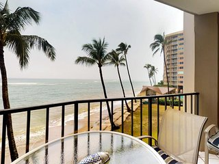 NEW LISTING! Oceanfront condo w/sunset & ocean views, heated pool, big lanai