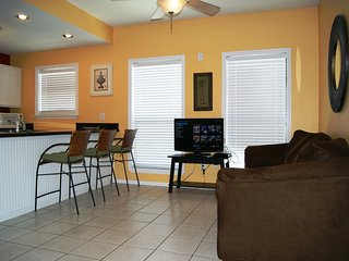 SOUTHWINDS I $302 CLOSE TO BEACH ACCESS