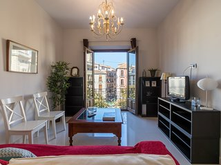 Apartment in the center of Granada with Internet, Air conditioning, Lift, Parkin