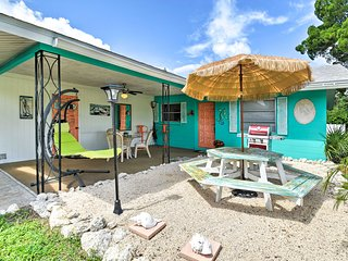 'Lighthouse Cottage' - Pet Friendly Bradenton Home