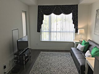 Corporate 1 BR + Den Suite in Forest Hill