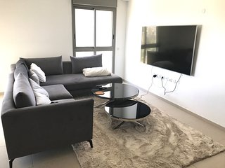 Modern & Spacious 2 BR apt by the biggest TLV park
