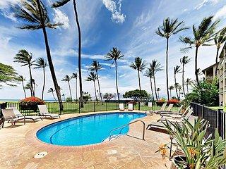 Unobstructed Ocean Views, Pool & Beach Access - 2BR in Waipuilani Park
