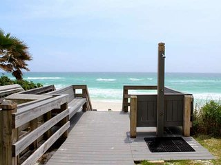 Gulf View Condo -Steps from Beach Access-Community Pool-1.5 Miles From Seaside!!