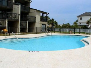 15% Off Late Summer/Fall (9/4-11/3), Beach Front ~ Gulf View ~ Community Pool -