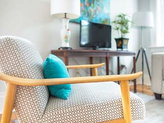 Stay Local in Savannah: Safe and Central Suite, Great for Young Family!