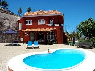 Casa con jardín y piscina privada con preciosas vistas al Roque Nublo