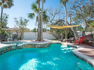 4700Sax - Delightful Pool Home