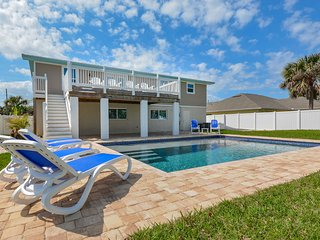 4717S - Gorgeous 4 Bedroom Pool Home