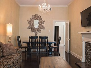 Stunning 1BR in French Quarter by Hosteeva