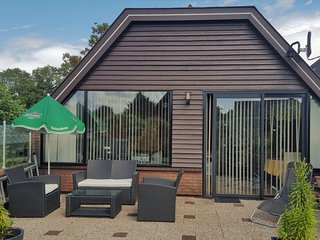 Lovely bungalow till 6 pers. near Amsterdam and the Sea