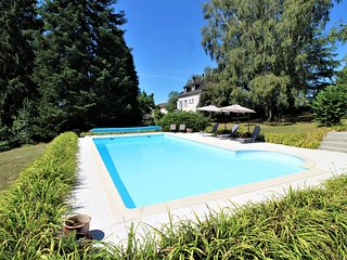 Luxury 2 Bed Gite, Adults Only, Large Pool, Village Location, Mialet, Dordogne