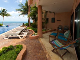 Steps to Ocean & Pool | Large Terrace | Beach Service | Gourmet Kitchen | Wifi
