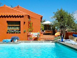 Pequeña casa canaria con Piscina Privada y preciosas vistas al barranco