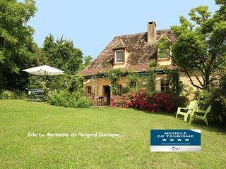 maison champêtre classée 4*, piscine privée, très calme
