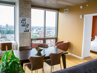 Bright & Spacious 2BD, 2BA Penthouse in Old City by Coral Homes