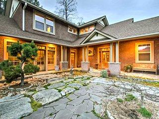 NEW! Hilltop House w/ Smoky Mountain Views!
