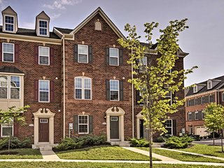 NEW Large Townhome Near UMD, Metro Stop, & DC Area