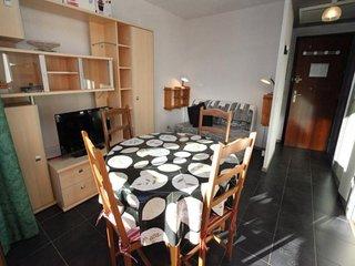 Petit appartement pour 4 personnes exposition Sud à 50 mètres des pistes.