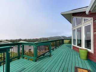 NEW LISTING! Hillside home w/ deck & wonderful ocean view of Haystack Rock!